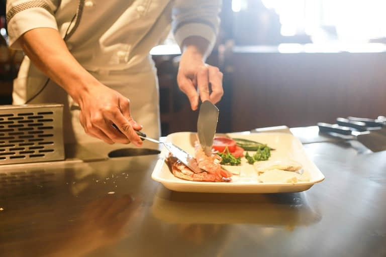 how to plate food like a chef